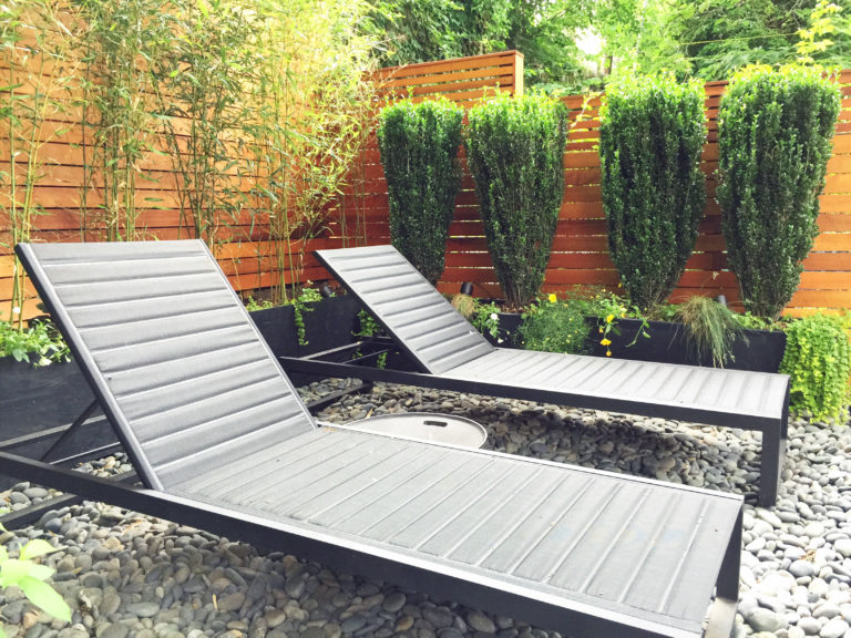 contemporary backyard in nyc crown height brooklyn