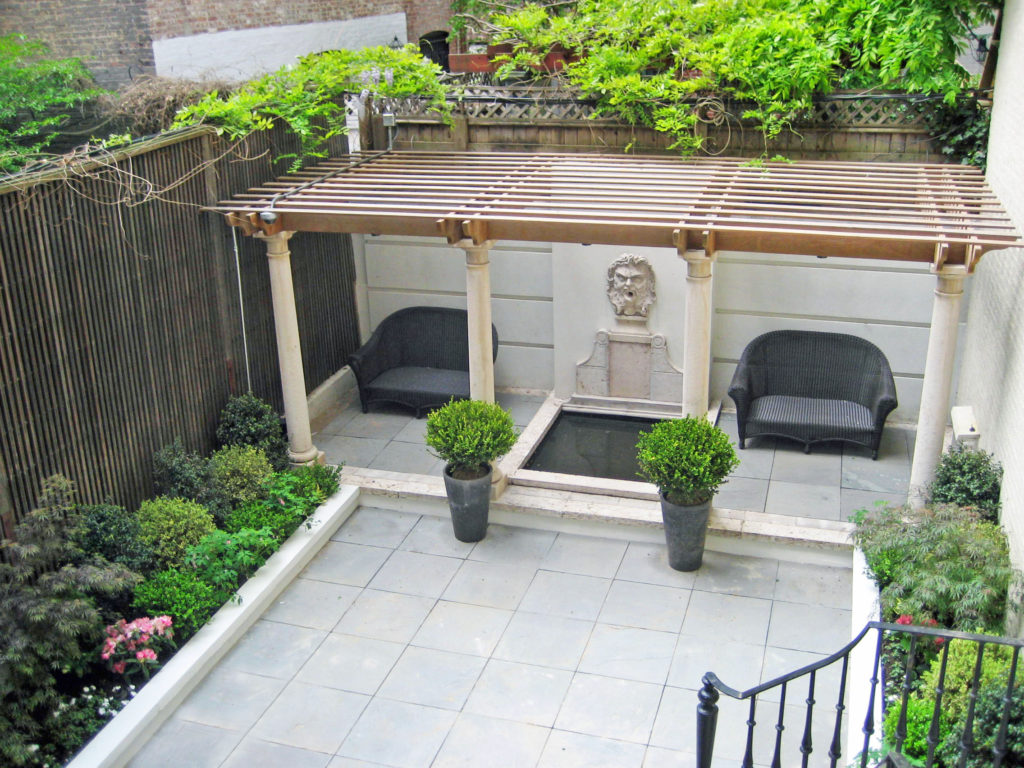 upper east site manhattan nyc pergola design backyard